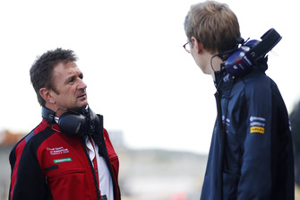 Allan McNish, Team Principal, Audi Sport Abt Schaeffler, talks with Sylvain Filippi, Managing Director & CTO, Virgin Racing