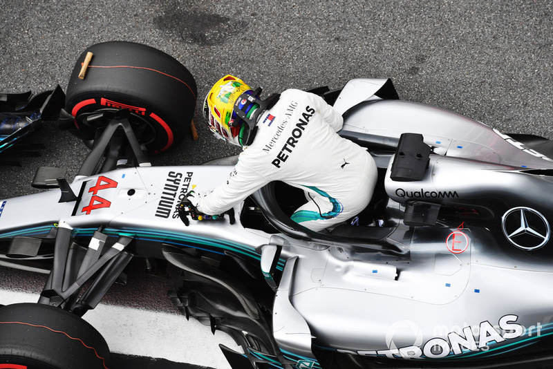 Lewis Hamilton, Mercedes AMG F1 celebrates Pole Position in parc ferme