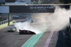 Lamborghini Huracan Super Trofeo Evo #230, YH Racing Team: Takamichi Matsuda, Dai Yoshihara. Incidente