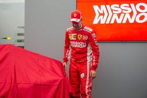Sebastian Vettel, Ferrari, bij de onthulling van de nieuwe Ferrari-livery