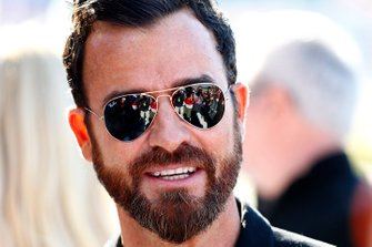 Justin Theroux in the paddock