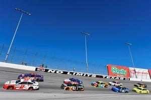 Brad Keselowski, Team Penske, Ford Fusion Wurth e Denny Hamlin, Joe Gibbs Racing, Toyota Camry FedEx Office