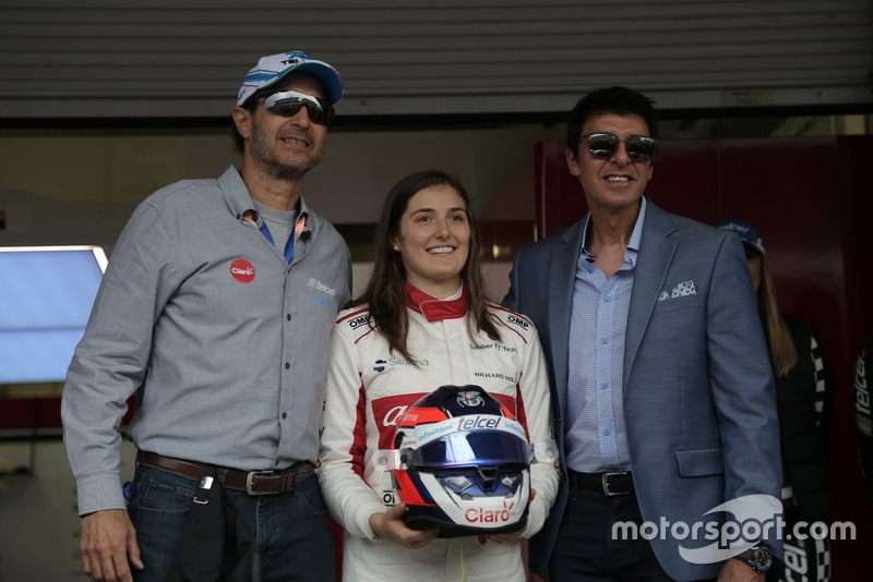 Tatiana Calderon, Sauber C37 Test Driver with the sponsors