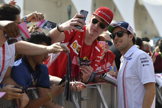 Sergio Perez, Racing Point Force India fans selfie
