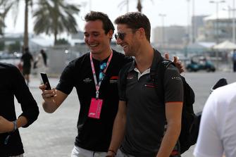 Romain Grosjean, Haas F1 Team fans selfie