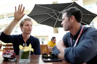 Jimmie Johnson con Nico Rosberg