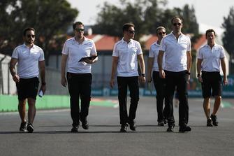 Stoffel Vandoorne, McLaren, walks the track with his team
