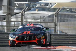 Mercedes AMG GT4 №3 команды Bullitt Racing: Оливар Калдуэлл, Ян Логги, Олег Харук