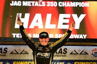Race winner Justin Haley, GMS Racing, Chevrolet Silverado Fraternal Order Of Eagles