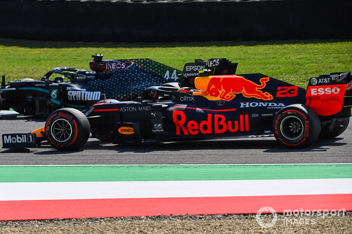 Lewis Hamilton, Mercedes F1 W11, Alex Albon, Red Bull Racing RB16