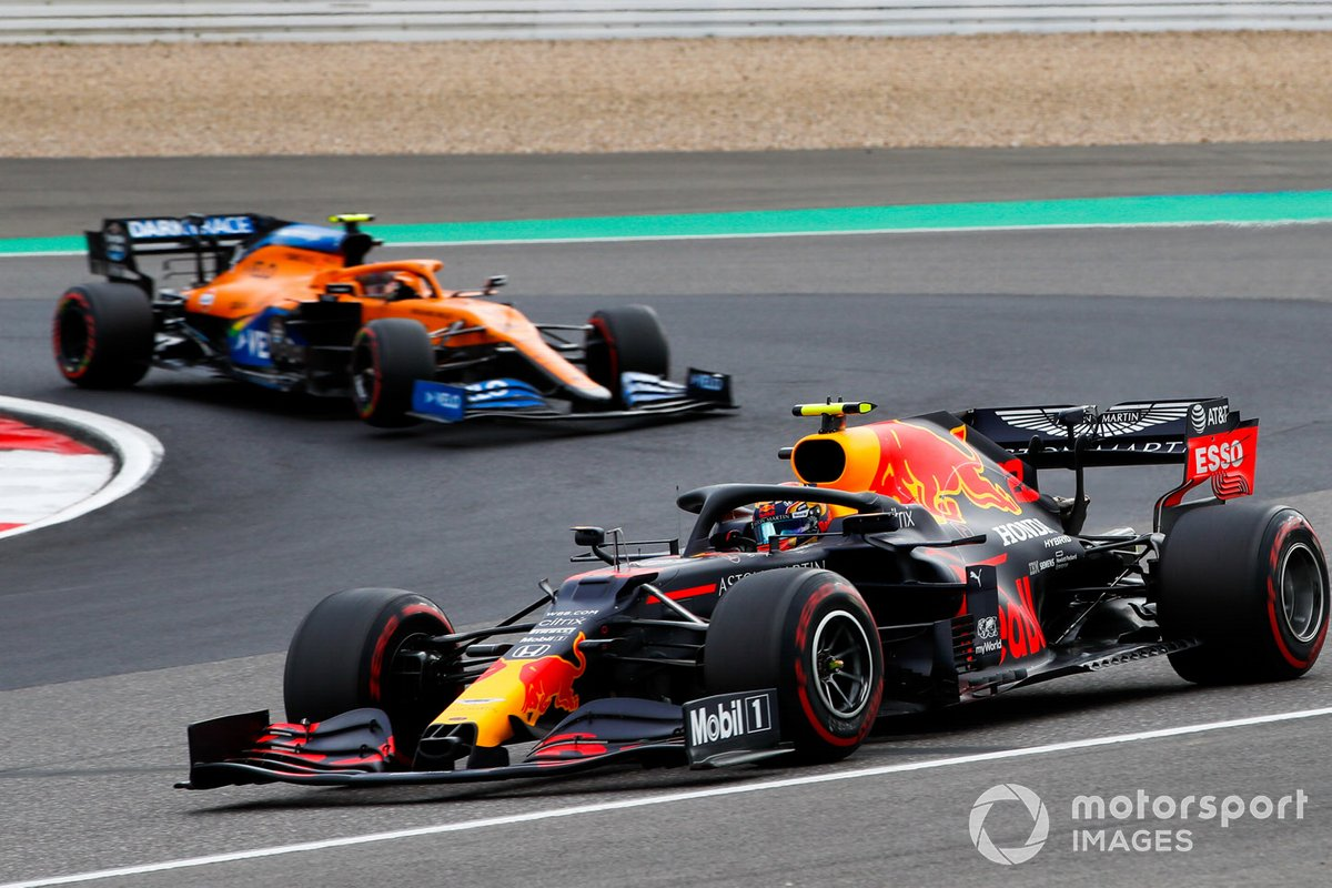 Alex Albon, Red Bull Racing RB16, Lando Norris, McLaren MCL35