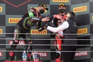 Superbike-Weltmeister 2020: Jonathan Rea, Kawasaki Racing Team, mit Gregorio Lavilla