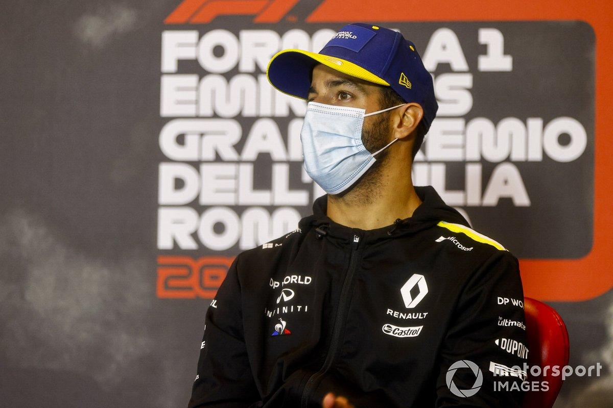 Daniel Ricciardo, Renault F1 en la conferencia de prensa