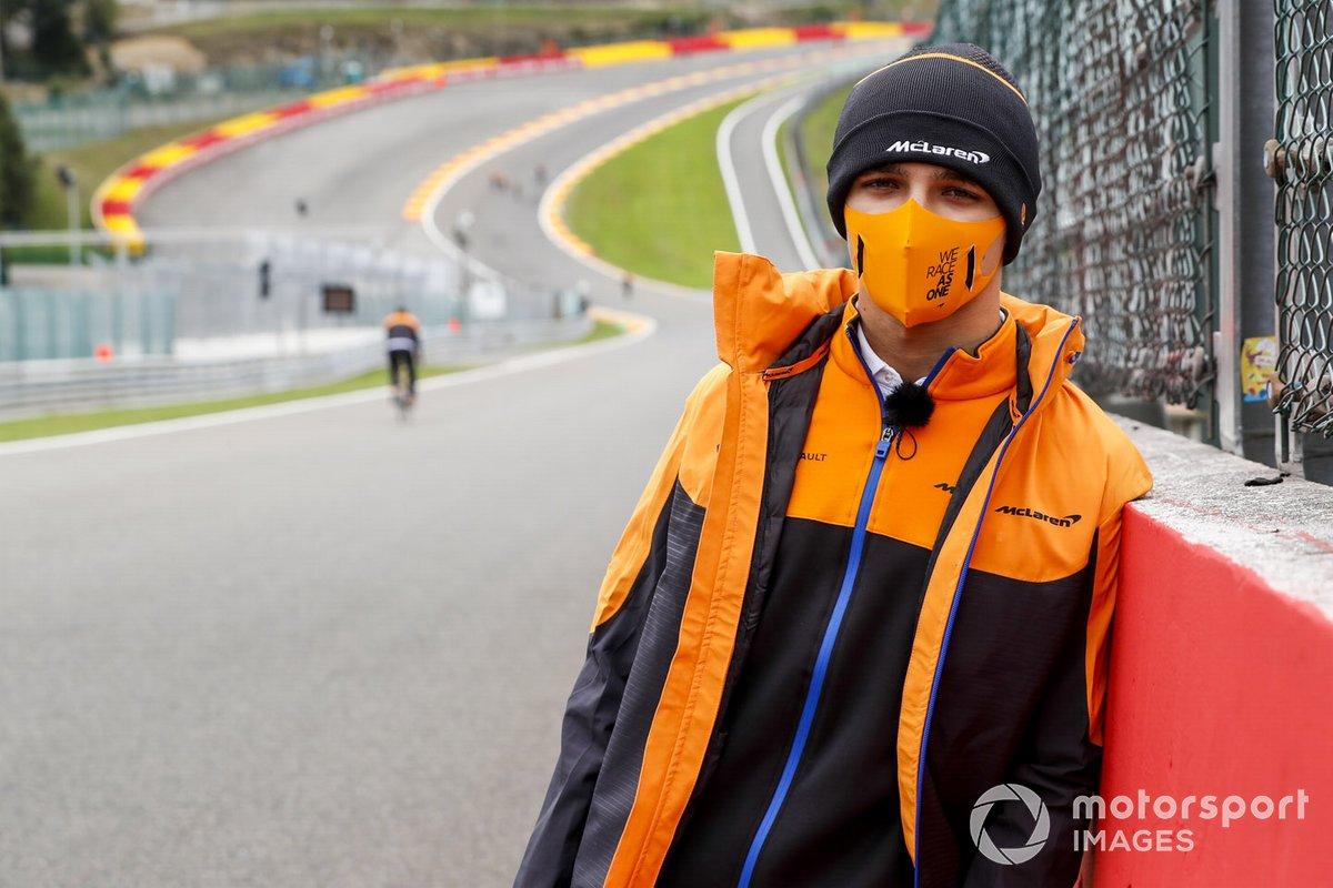 Lando Norris, McLaren, recorre la pista de Spa