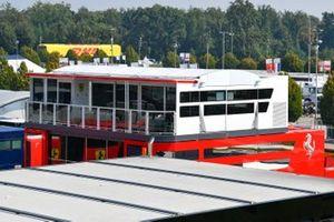 L'hospitalité Ferrari dans le paddock