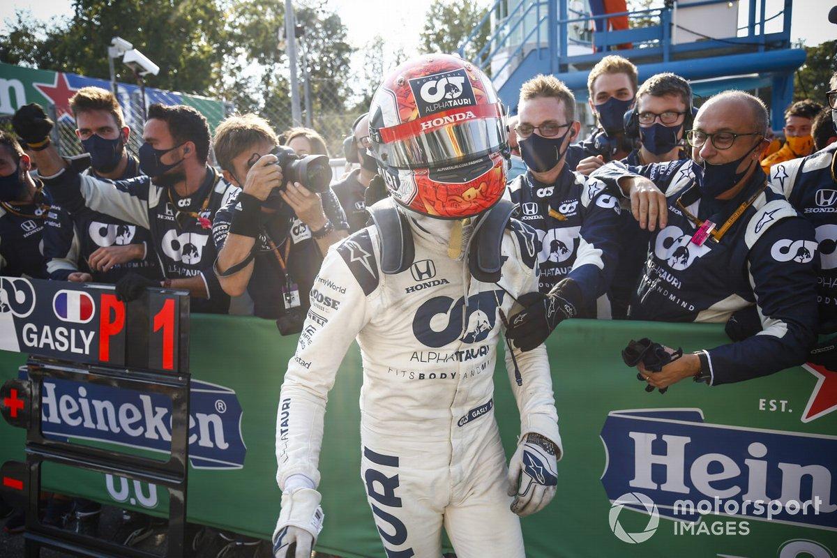 Ganador Pierre Gasly, AlphaTauri, celebra