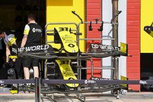 Spare noses for the car of Esteban Ocon, Renault F1 Team R.S.20