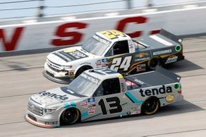 Johnny Sauter, ThorSport Racing, Toyota Tundra Tenda Equine & Pet Care Products and Jack Wood, GMS Racing, Chevrolet Silverado Chevy Accessories