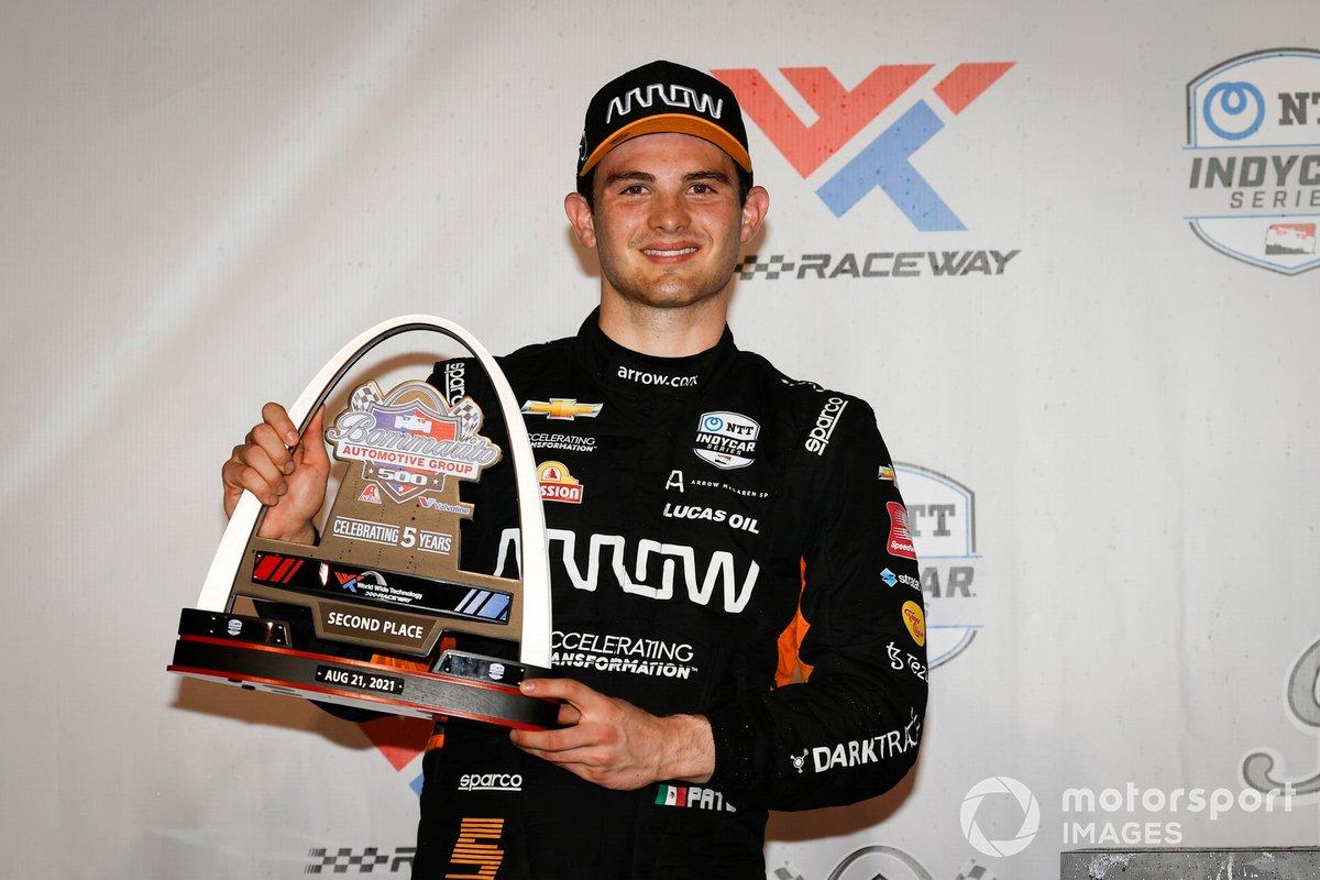 Podio: segundo lugar Patricio O'Ward, Arrow McLaren SP Chevrolet