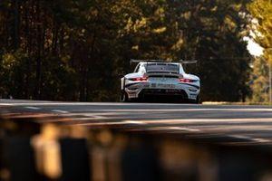 #56 Team Project 1 Porsche 911 RSR - 19 LMGTE Am, Egidio Perfetti, Matteo Cairoli, Riccardo Peray