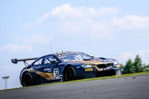 #34 Walkenhorst Motorsport BMW M6 GT3: Jake Dennis, Nick Yelloly, David Pittard