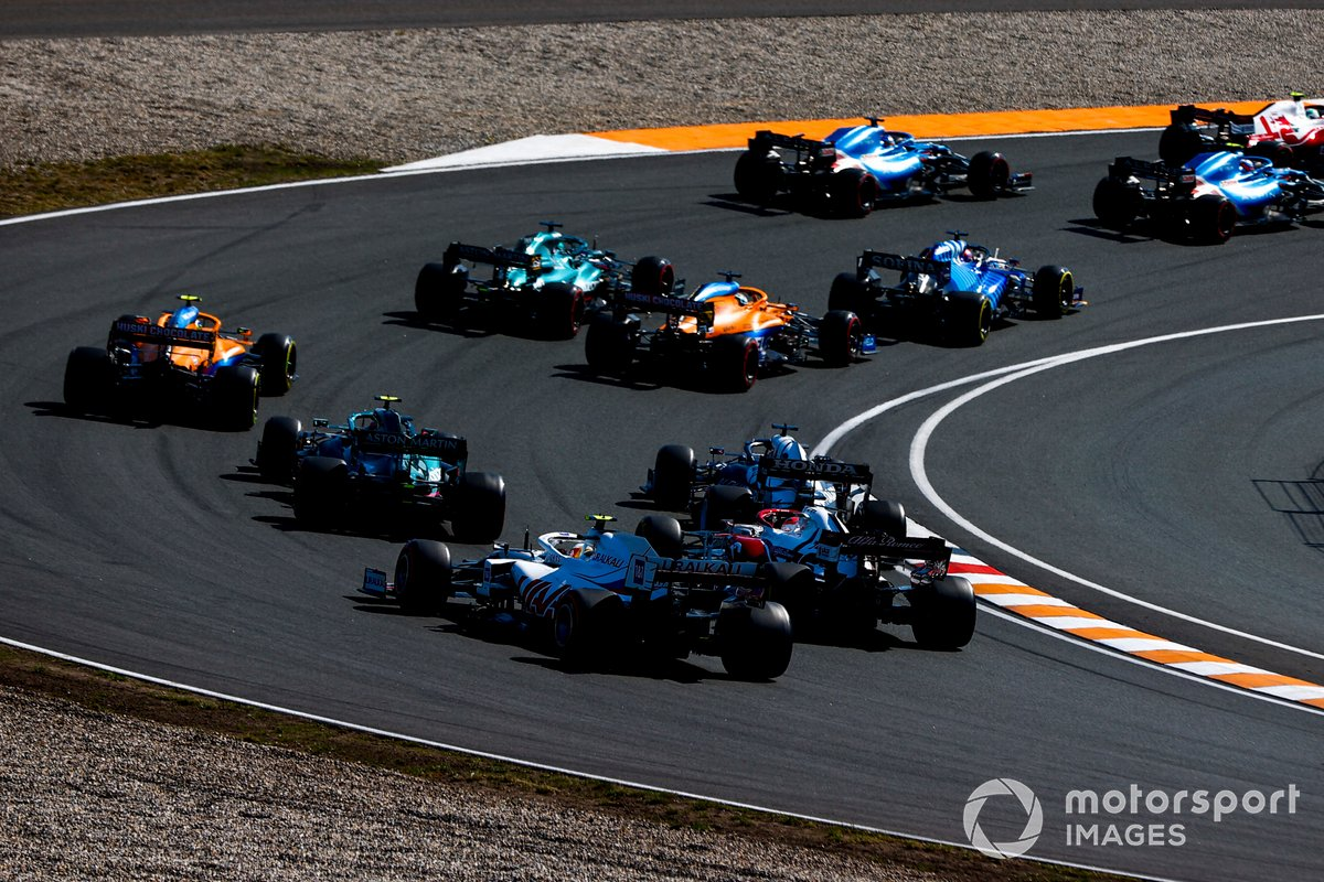 Antonio Giovinazzi, Alfa Romeo Racing C41, Esteban Ocon, Alpine A521, Fernando Alonso, Alpine A521, George Russell, Williams FW43B, Daniel Ricciardo, McLaren MCL35M, Lance Stroll, Aston Martin AMR21, en la vuelta de formación
