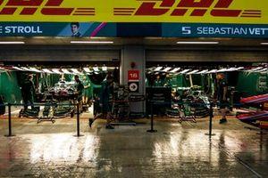 El paddock de la F1 en la lluvia de Sochi