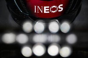 Logo Ineos sulla Mercedes W12