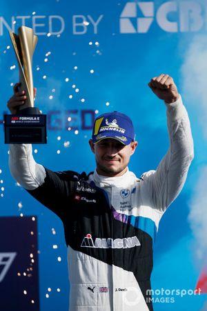 Jake Dennis, BMW i Andretti Motorsport, sul podio del campionato