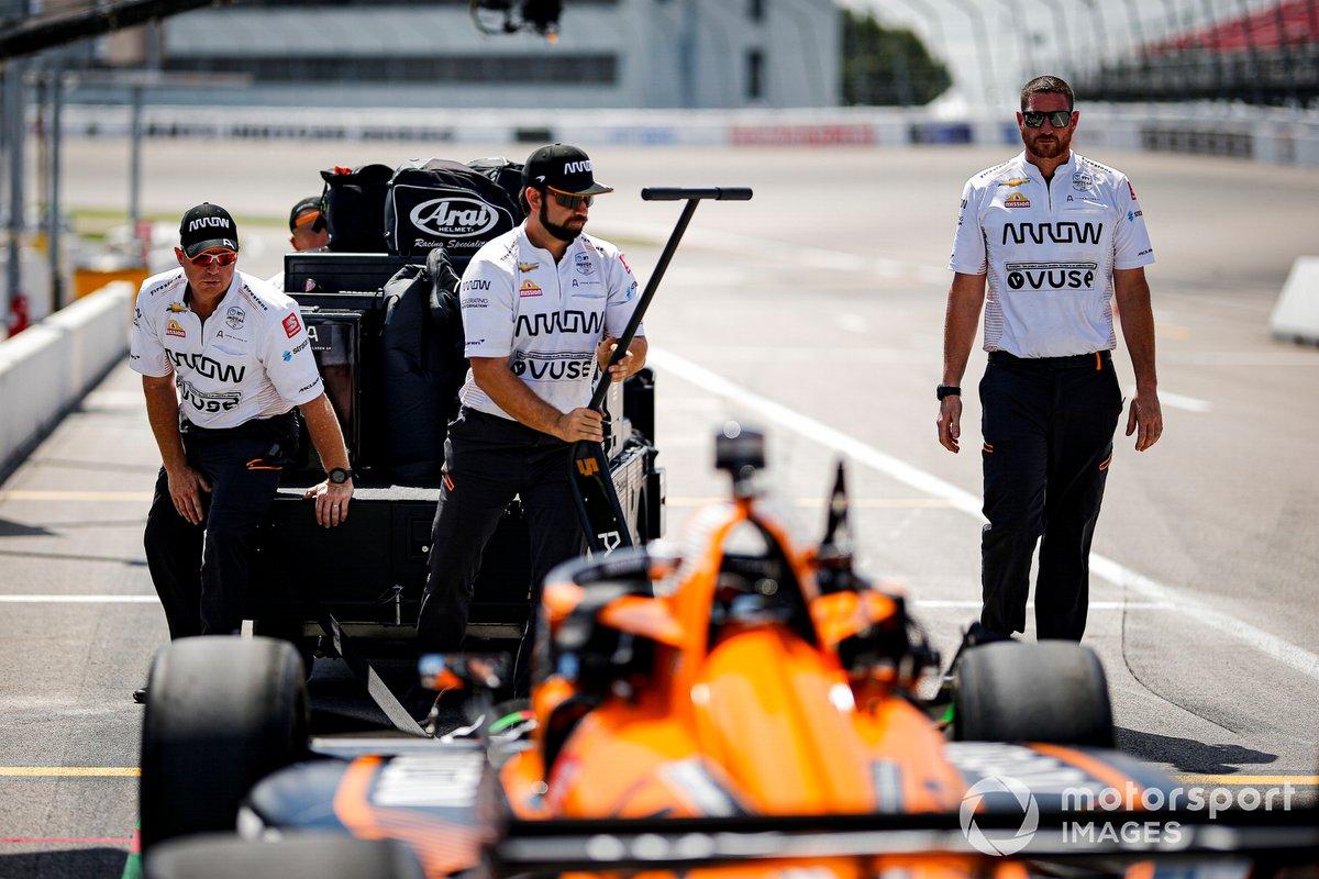 Miembros del equipo de Patricio O'Ward, Arrow McLaren SP Chevrolet