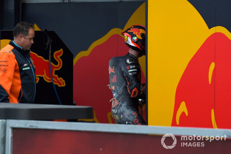 После аварии: Пол Эспаргаро, Red Bull KTM Factory Racing