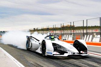 Felipe Massa, Venturi Formula E, EQ Silver Arrow 01, burn out in the pit lane