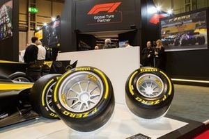 Сравнение новых 18-дюймовых шин Pirelli для Ф1 со старыми 13-дюймовыми