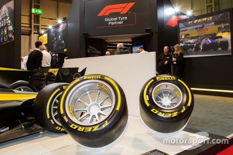 Comparación del nuevo neumático Pirelli de 18 pulgadas con el anterior de 13 pulgadas