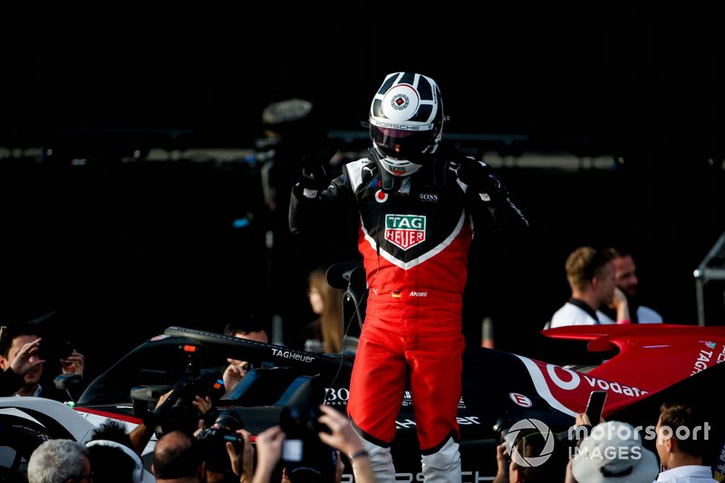 Andre Lotterer, Porsche celebrates on the podium