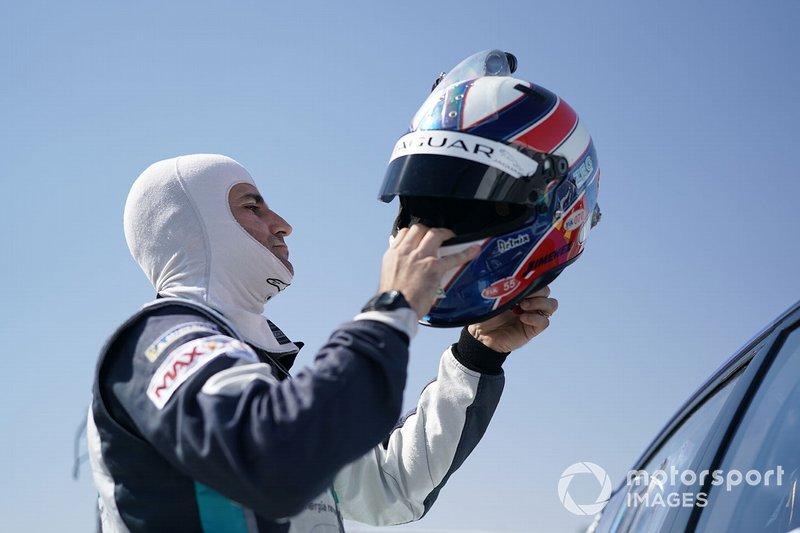 Sérgio Jimenez, ZEG iCarros Jaguar Brazil on the grid