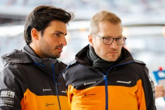 Carlos Sainz Jr., McLaren, and Andreas Seidl, Team Principal, McLaren