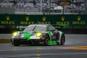 #54 Black Swan Racing, Porsche 911 GT3 R, GTD: Jeroen Bleekemolen, Sven Muller, Trenton Estep