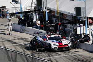 #25 BMW Team RLL BMW M8 GTE, GTLM: Connor De Phillippi, Philipp Eng, Bruno Spengler, Colton Herta, pit stop