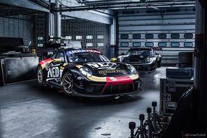 Jaxon Evans, Romain Dumas e David Calvert-Jones, Earl Bamber Motorsport