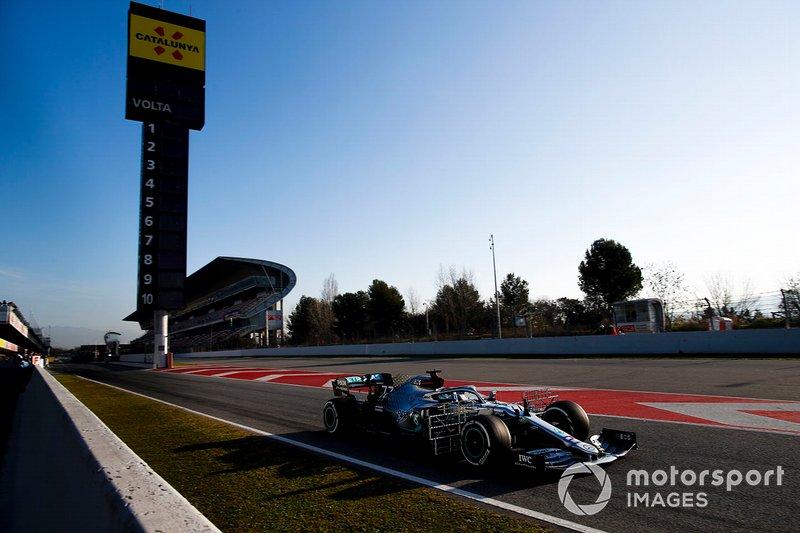 Mercedes F1: 903 (4203 km)