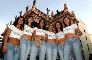 Chicas Corona