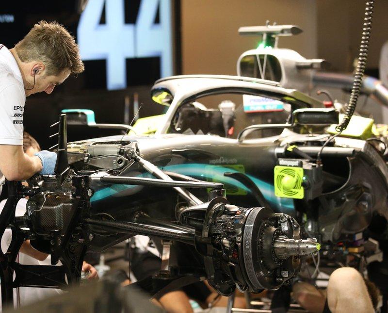 Suspensión delantera del Mercedes AMG F1 W10