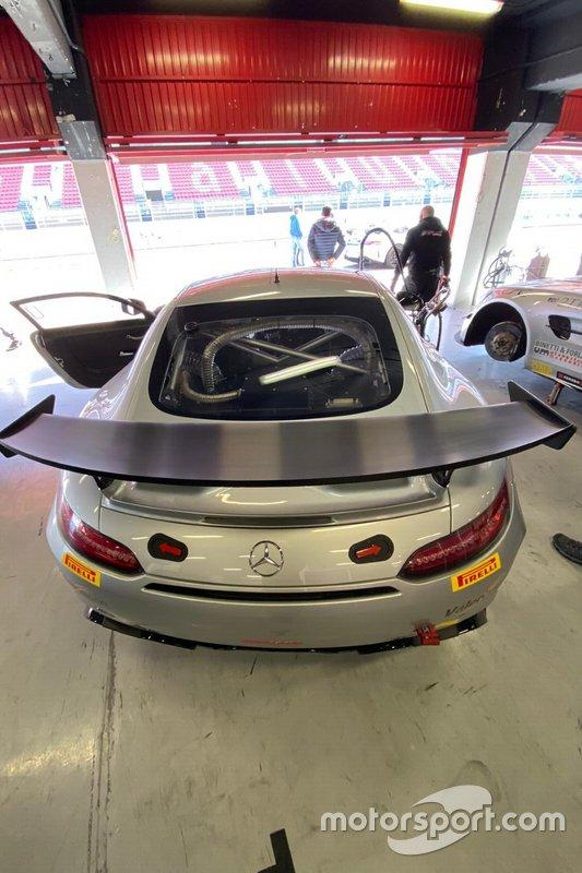 Mercedes GT4, Nova Race