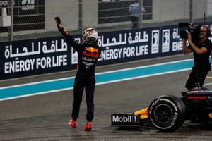 Max Verstappen, Red Bull Racing, 2nd position, waves to fans after the race
