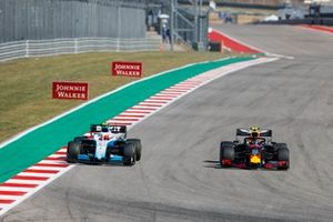 Alex Albon, Red Bull Racing RB15, passes Robert Kubica, Williams FW42
