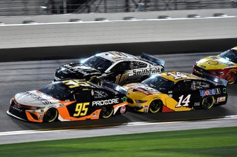 Christopher Bell, Leavine Family Racing, Toyota Camry Procore and Clint Bowyer, Stewart-Haas Racing, Ford Mustang Rush / Mobil 1