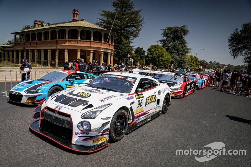 #96 Hobson Motorsport Nissan GT-R NISMO GT3: Brett Hobson, Kurt Kostecki, Jake Kostecki