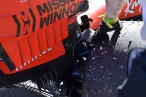 The damaged suspension of Sebastian Vettel, Ferrari SF90