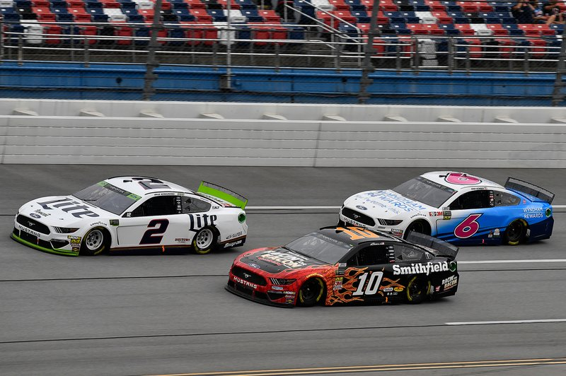 Brad Keselowski, Team Penske, Ford Mustang Miller Lite, Aric Almirola, Stewart-Haas Racing, Ford Mustang Smithfield Racin' for Bacon, and Ryan Newman, Roush Fenway Racing, Ford Mustang Wyndham Rewards